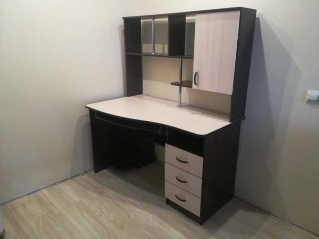 Продам: Стол компьютерный-2