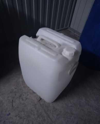 Продам Канистры 70 литров. Б/у