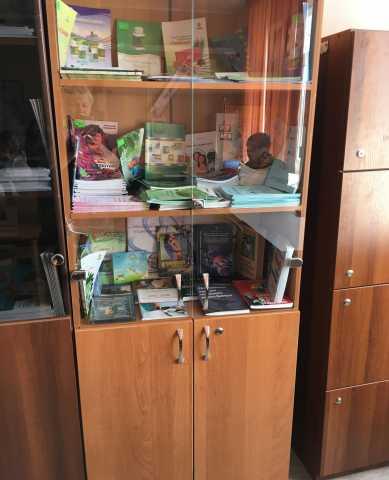 Продам: Шкаф для книг и документов