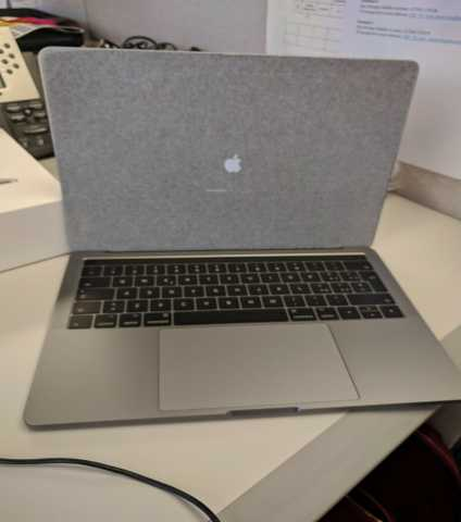 Продам Apple Macb