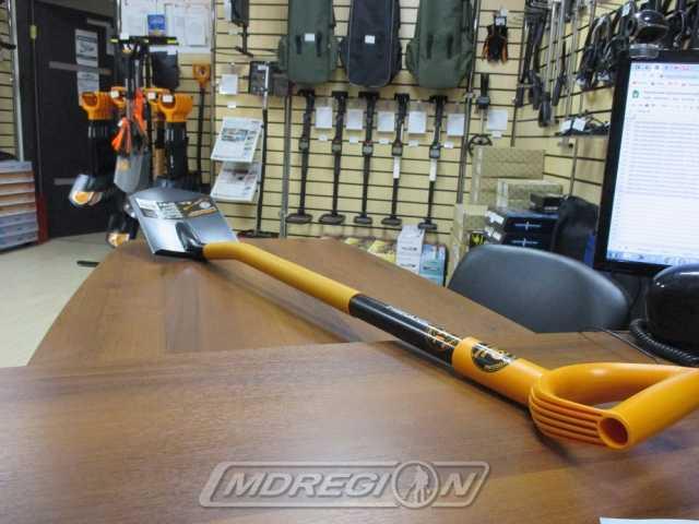 Продам: лопата штыковая Fiskars Solid Plus
