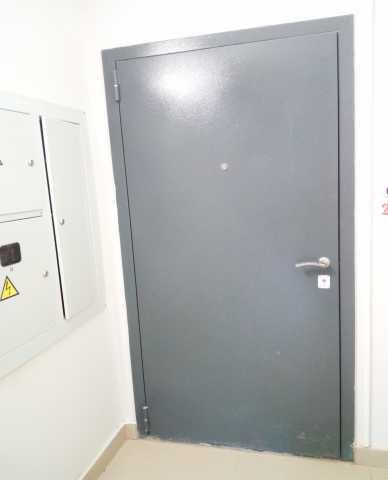 Продам Входная дверь (металлическая)