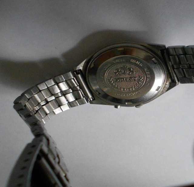 Продам: часы япон с авто подзавод и 2шт браслеты