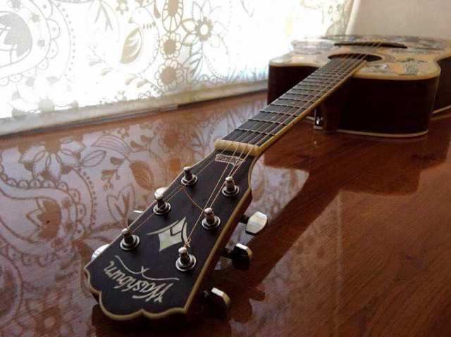 Продам Электроакустическая гитара Washburn WD10