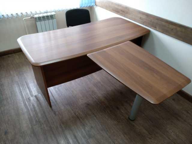 Продам: Комплект офисной мебели DaVita