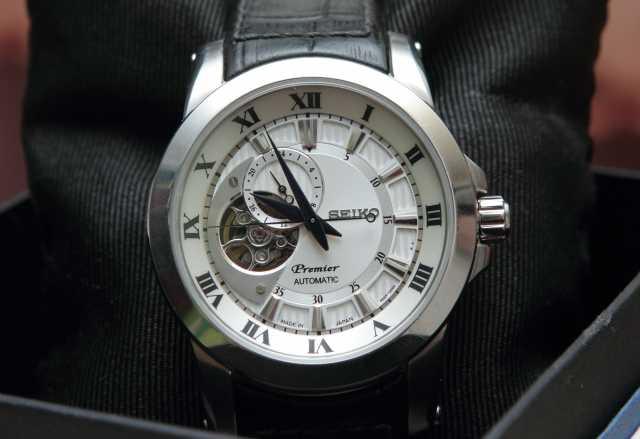Продам часы Seiko SSA213J2