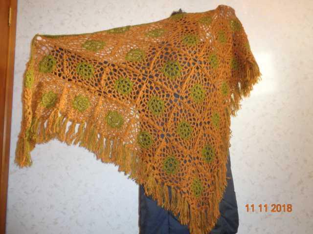 Продам новую вязаную женскую ажурную косынку