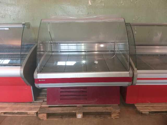 Продам Универсальная холодильная витрина Cryspi