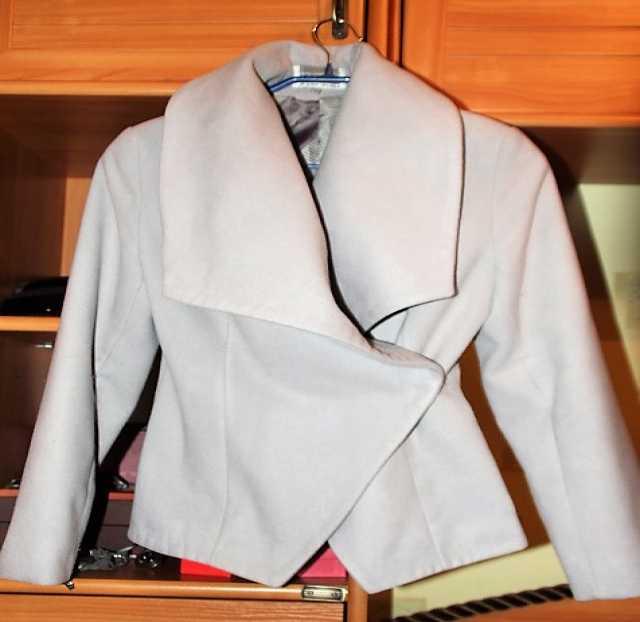Продам Пальто размер 42-44 S