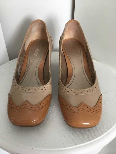 Продам Туфли модельные женские