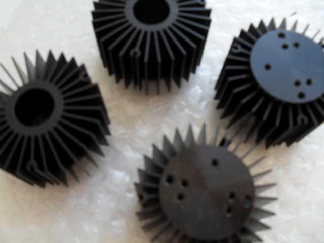 Продам: Чернённый радиатор для светодиодов