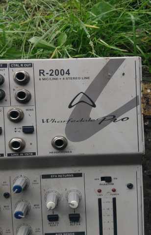 Продам Микшерный пульт WHARFEDALE PRO R-2004