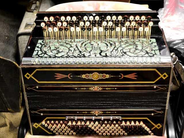Продам Баян аккордеон
