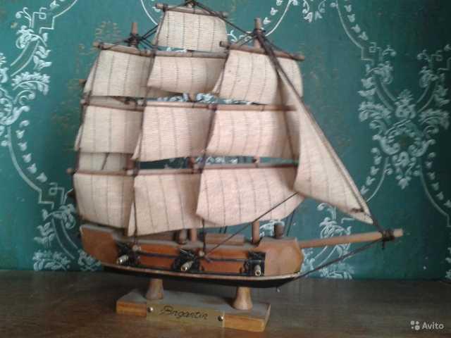 Продам Модель корабля Бригантина