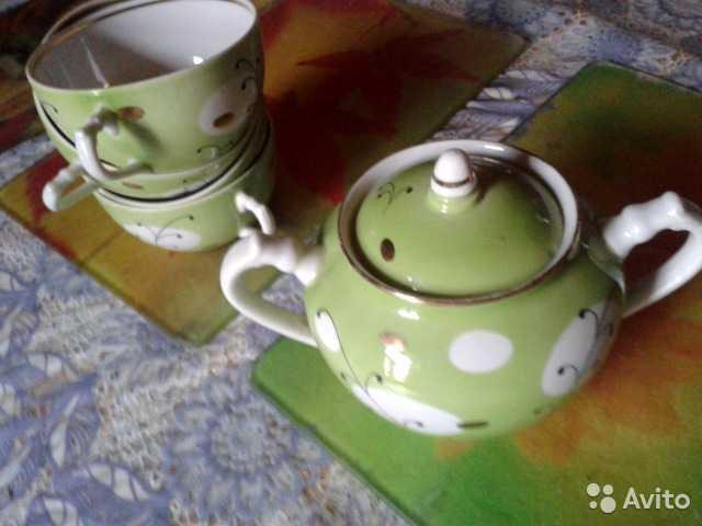 Продам: Фарфоровая сахарница с чашками 50е Дулев