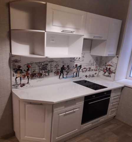 Продам кухонный гарнитур глянец в Хабаровске