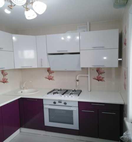 Продам кухонный гарнитур глянец белый/фиолетовы