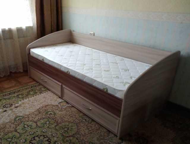 Продам: кровать с ящиками