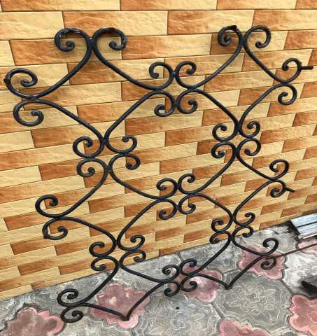 Продам Железные решетки на окна