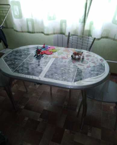 Продам: Кухонный стол