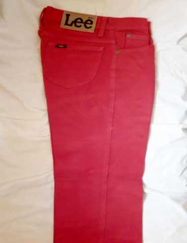 Продам: Красно-малиновые джинсы LEE