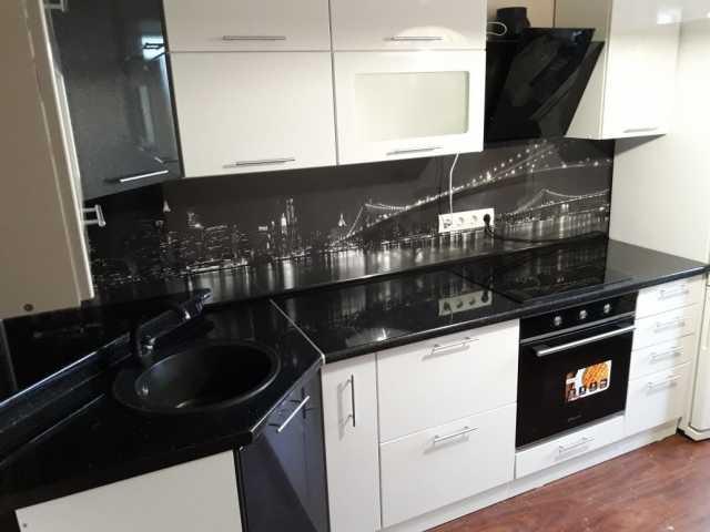 Продам модульную кухню белый глянец