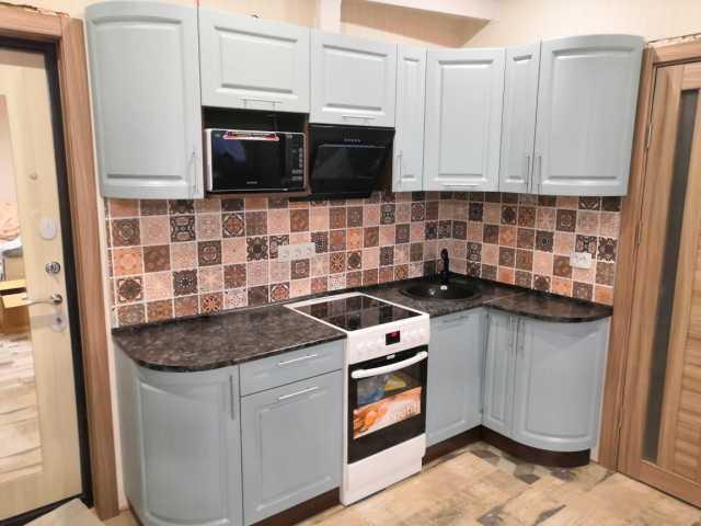 Продам: кухню лазурное дерево