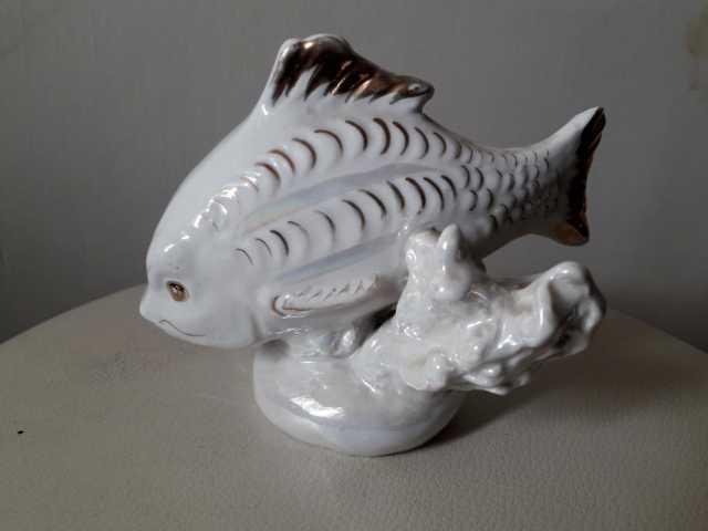 Продам Фарфоровая статуэтка Золотая рыбка 50гг