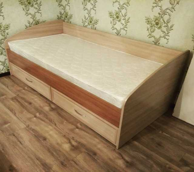 Продам: кровать 900/2000