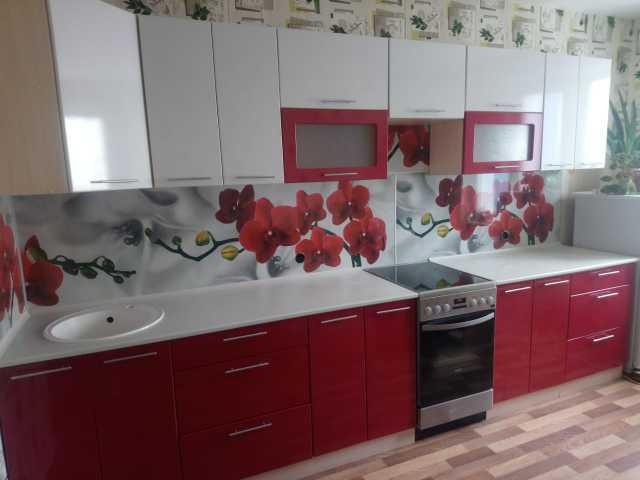 Продам кухню глянец белый/бордо