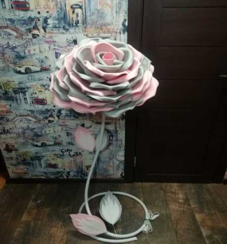 Продам Роза торшером