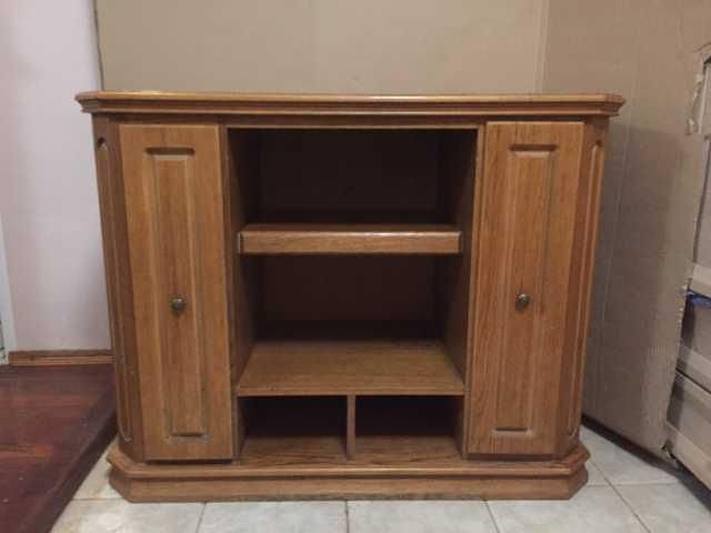 Продам: Комплект мебели из массива дуба (5 шт.)