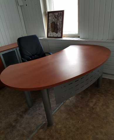 Продам Красивый офисный стол