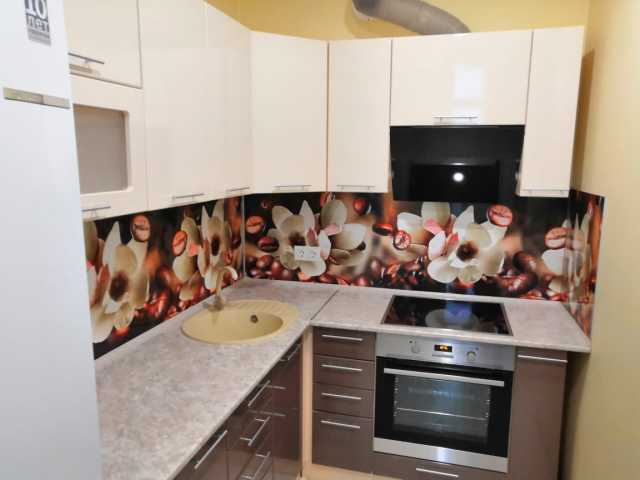 Продам кухонный гарнитур ваниль/шоколад