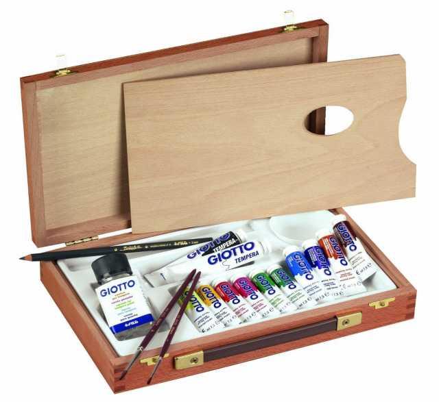 Продам набор художника в деревянном кейсе