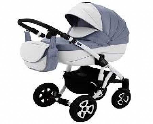 Продам: импортную детскую коляску
