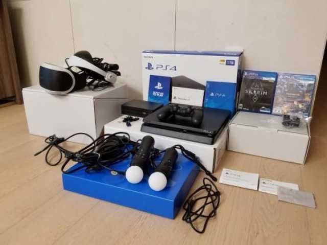 Продам Sony PlayStation 4 500GB Gaming Console