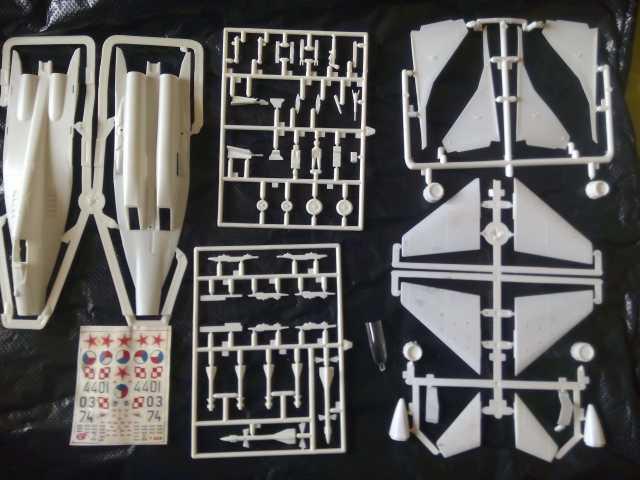 Продам: МИГ - 29 с выпущенными шасси