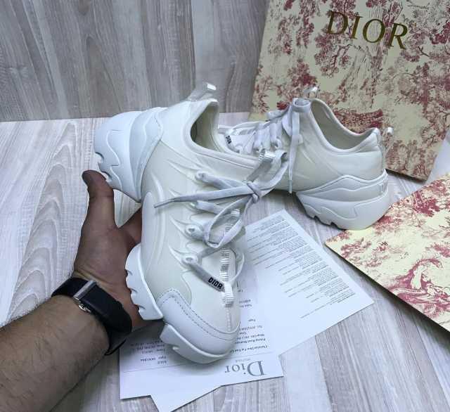 Продам Женские кроссовки Dior