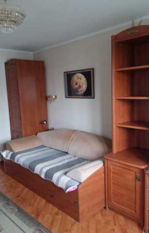 Продам кровать с матрасом и два шкафа