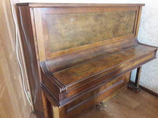 Отдам даром антикварное пианино