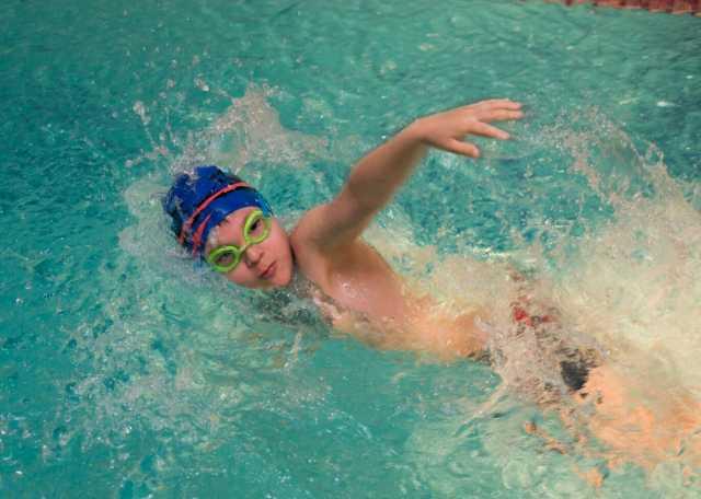 Предложение: Плавание для детей с 2х лет