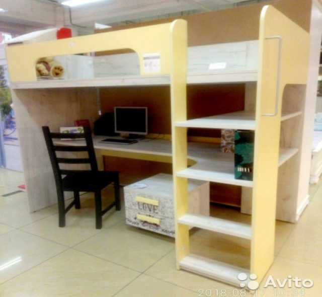 Продам Кровать-чердак с компьютерным столом