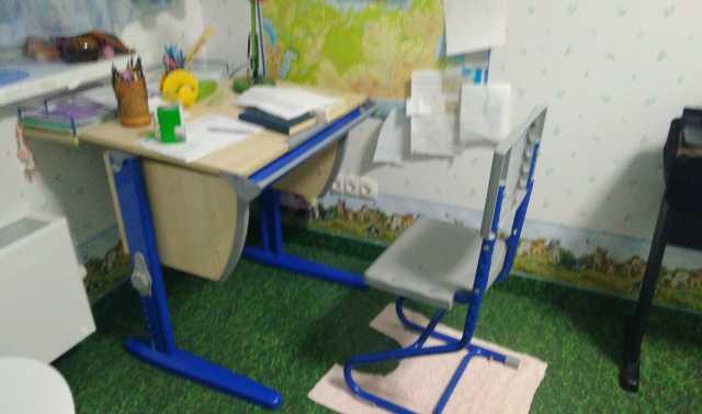 Продам: растущая парта для 1-классника со стулом