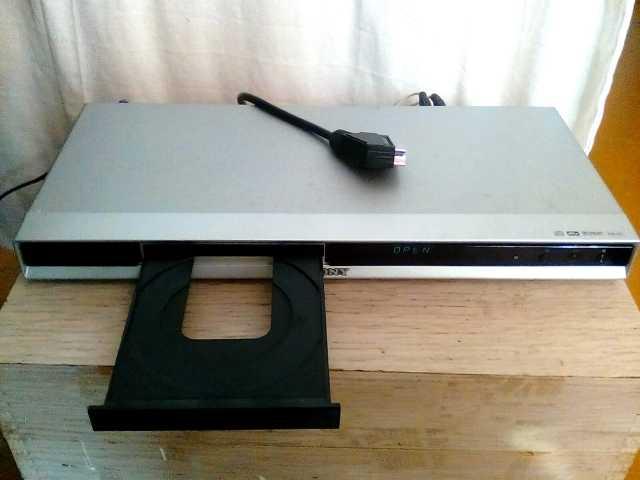 Продам CD/DVD-плеер Sony DVP-NS38 серебристый