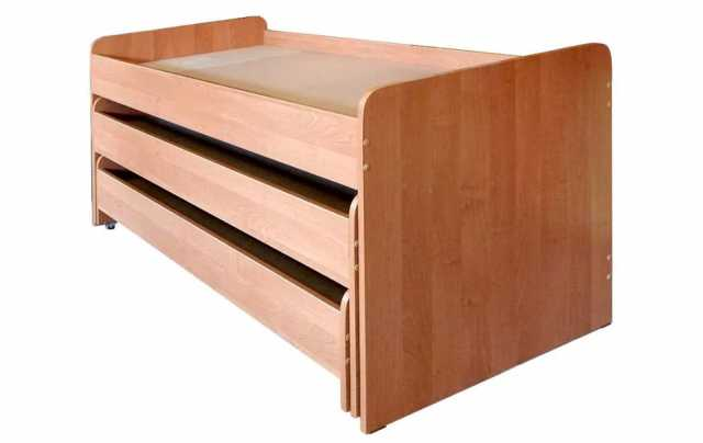 Продам: Детская трехъярусная кровать