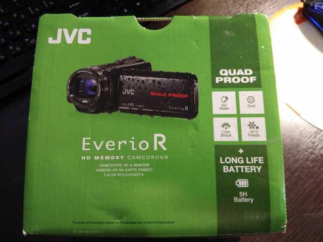 Продам новую видеокамеру