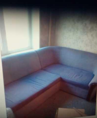 Продам угловой диван с креслом!