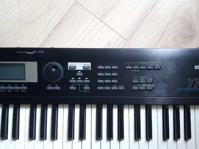 Продам Korg TR61 рабочая станция (синтезатор)