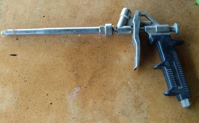 Продам Пистолет для монтажной пены